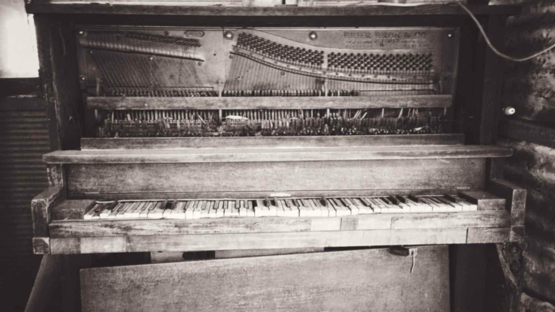 vintage piano background